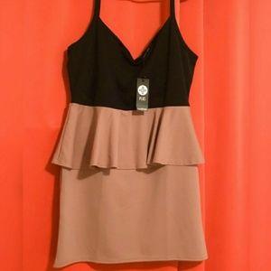 🔥🆕➕ BOOHOO 💜 Peplum Dress